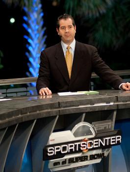 Alvaro Martin es el relator del principal partido de NFL que da ESPN en español: Monday Night Football.