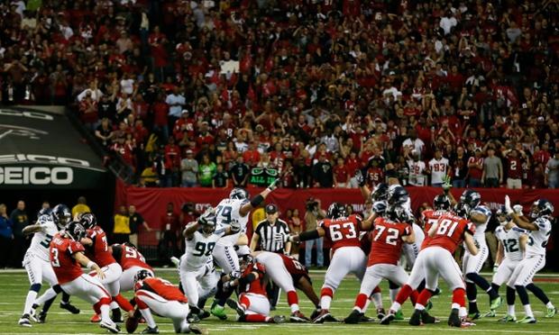 Matt Bryant anotará el gol de campo para el triunfo de los Falcons sobre los Seahawks.