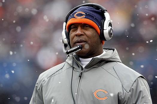 La decisión de los Bears de despedir a Lovie Smith fue criticada por Mike Ditka, ex entrenador de Chicago, y también por el tenista Andy Roddick.