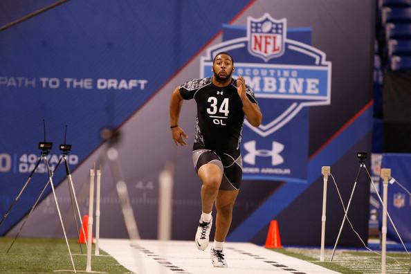 Como desde 1987, el NFL Scouting Combine se realizará en Indianápolis. Asisten por invitación los mejores 335 prospectos del fútbol americano universitario para ingresar al Draft 2013.