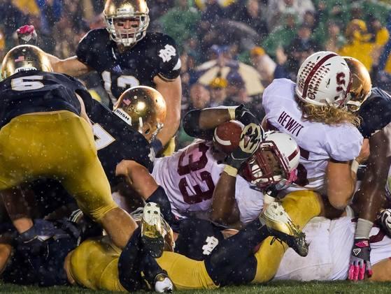 """El año pasado, """"Cardinal"""" y """"Fighting Irish"""" protagonizaron un dramático duelo en la casa de Notre Dame."""