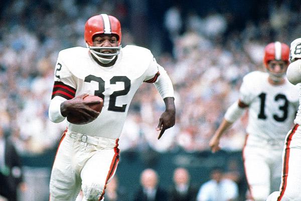 Jim Brown. Para muchos, el mejor jugador en la historia de la NFL.