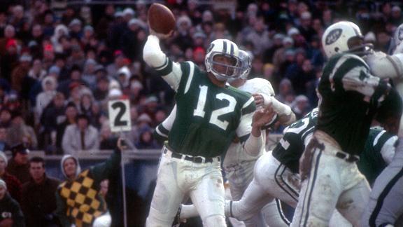 Joe Namath. Rock star, pero antes, uno de los grandes mariscales de la NFL.