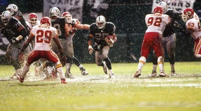 Raiders y Chiefs tienen a dos de las hinchadas más fieles y ruidosas de la liga.