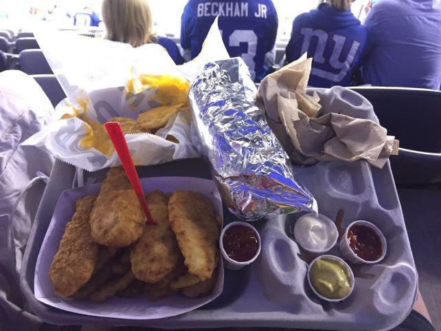 Alitas, nachos y sandwich de meatballs. Todo listo para ver a los Giants.