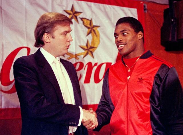 Herschel Walker ganó el Trofeo Heisman, pero en vez de ir a la NFL, firmó con los Generals de la USFL. Luego fue figura en los Cowboys y los Vikings.