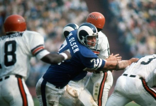 Merlin Olsen solo vistió la camiseta de Los Angeles Rams, desde 1962 hasta 1976. Es uno de los grandes tacles defensivos de la historia.
